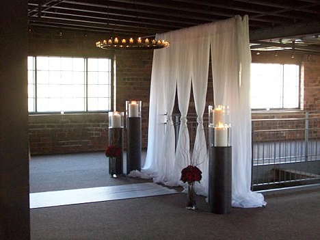 Crazy about wedding altars for Altar wedding decoration