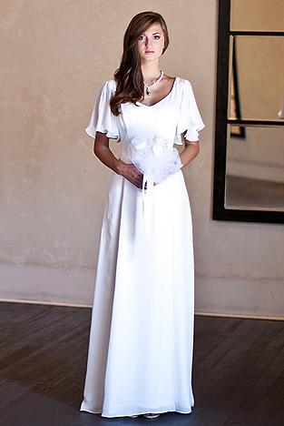 Renaissance Style Wedding Dresses 43 Great The flutter design is