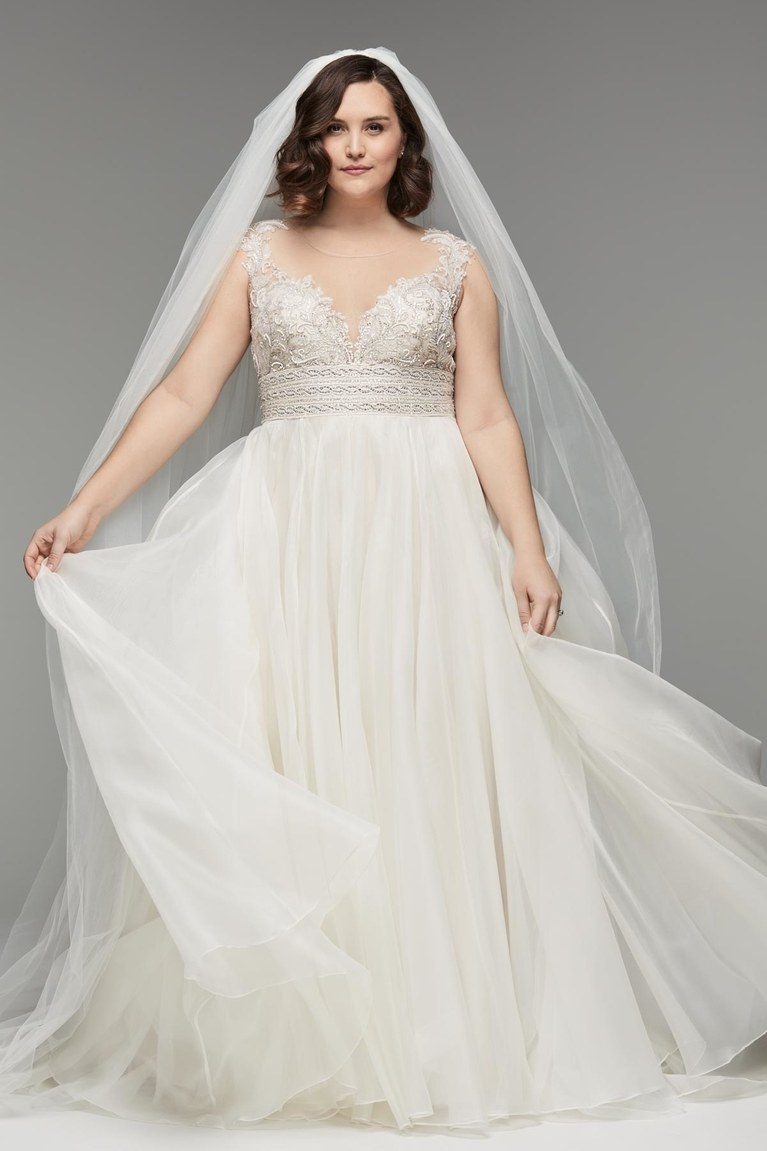 Tips for shopping for plus size wedding dresses junglespirit Choice Image